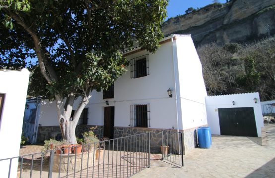 1073 Tajo gorge country house