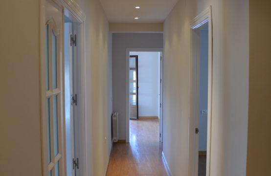 1058 Spacious apartment