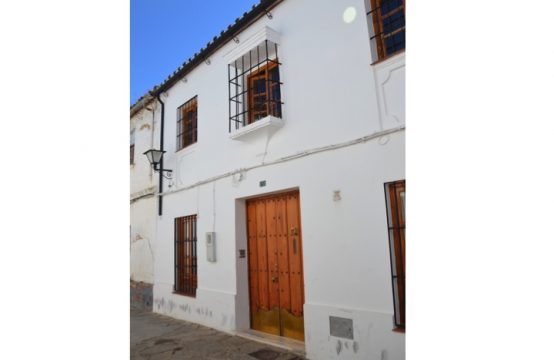 1099 Stunning townhouse in Ronda center