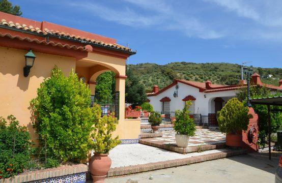 1228 Villa Hermanas